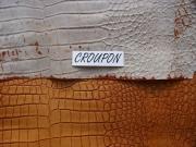 Rindleder mit Krokodilprägung, braun changierend, kopfgedeckt, Täschnerleder